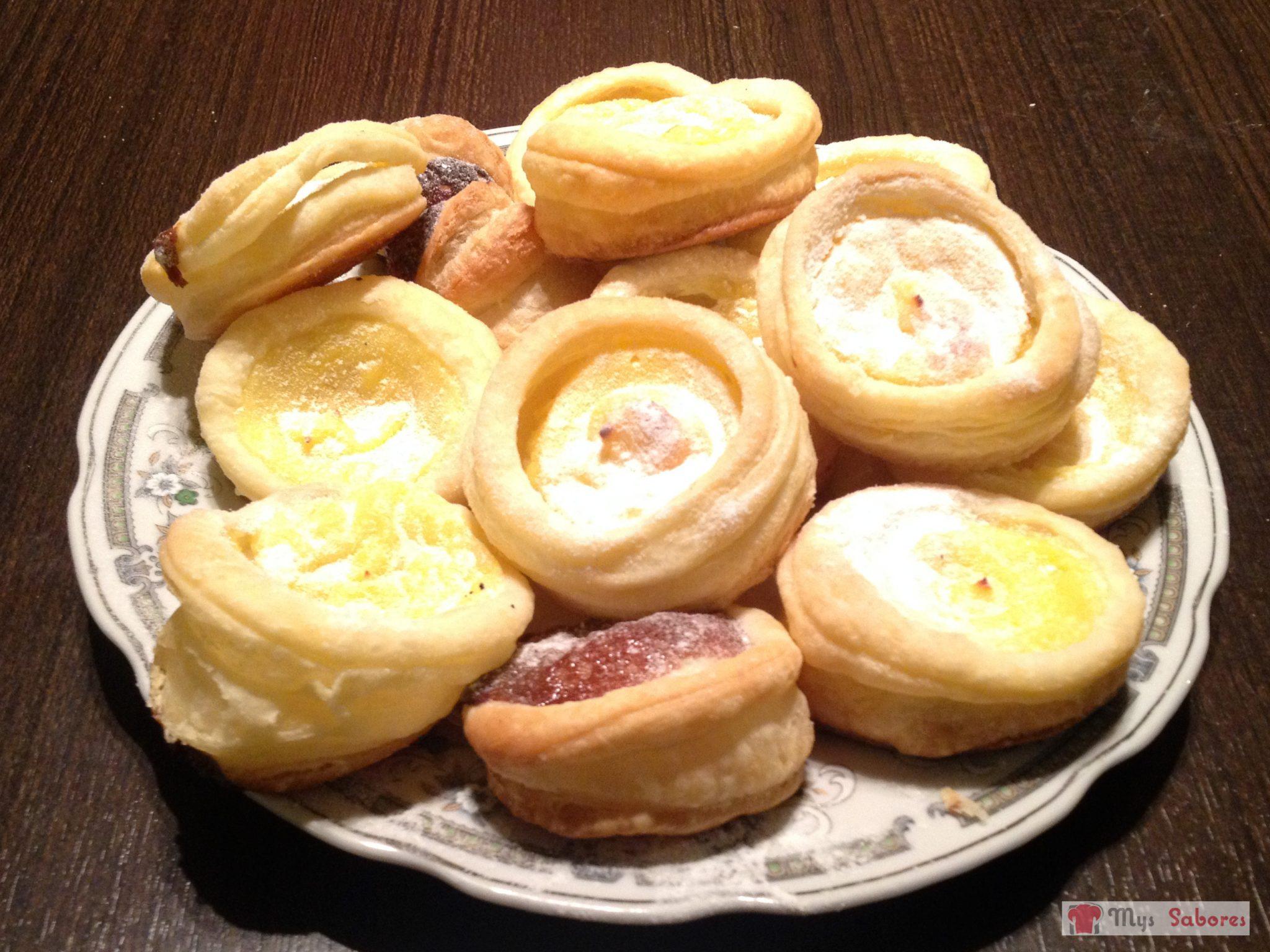 Facturas rellenas con crema pastelera