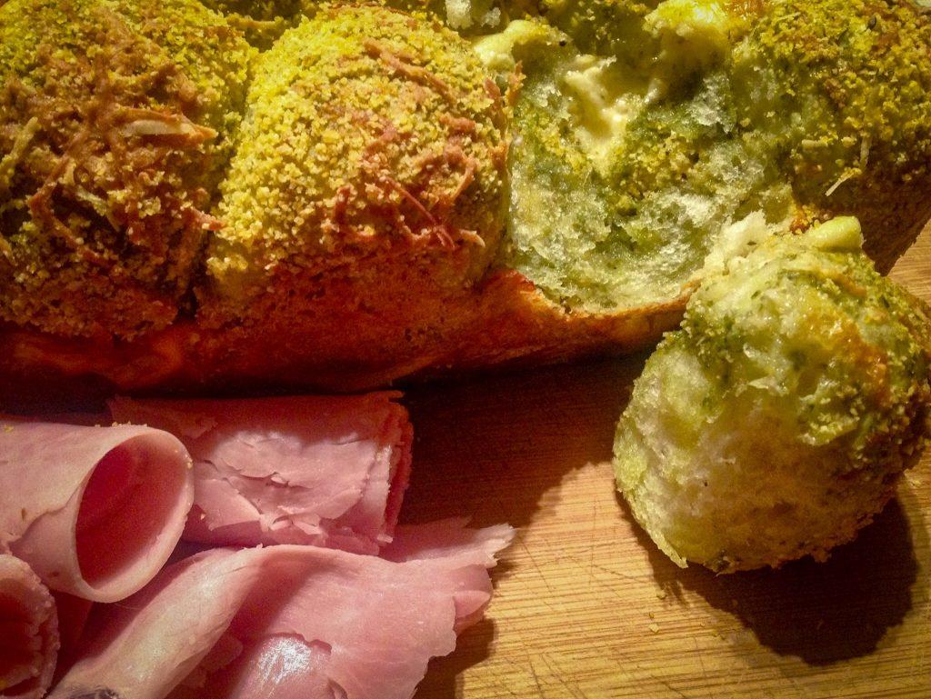 Pan casero de albahaca